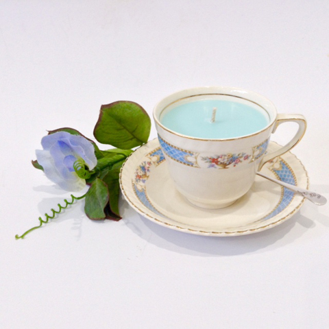 Arabella's Vintage & Vanilla range makes use of vintage china teacups collected over the years