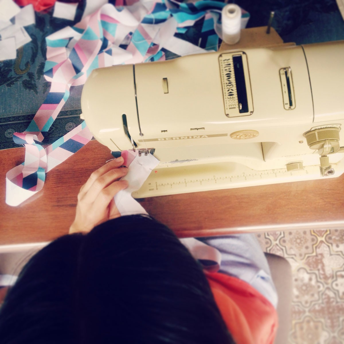little miss gee's Kasey sewing on her mum's very first 1980's Bernina sewing machine