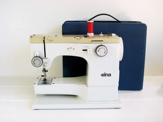 The Elna sewing machine that Stalley learned to sew on